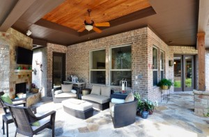 Do's and Don'ts of Building a Custom Home in North Texas - outdoor living space